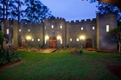 Ideally located in the prime touristic area of Tamborine Mountain, The Castle On Tamborine promises a relaxing and wonderful visit. The property features a wide range of facilities to make your stay a pleasant experience. Facilities like free Wi-Fi i Tamborine Mountain, Mt Tamborine, First Home Buyer, Australia Hotels, Coast Australia, Mountain Photos, Hoodie Allen, Scottish Castles, Plunge Pool