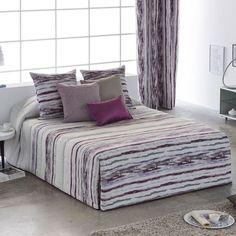 Edredón Conforter ATENAS de la firma Orian. Presenta un diseño a rayas difuminadas donde predominan los tonos en lila o en azul. Una bonita colección con la que vestirás tu cama de forma elegante y con las últimas tendencias en ropa de cama. Comforters, Throw Pillows, Blanket, Bedroom, Shape, Comforters Bed, Bedding, Stripes, Blue