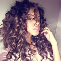 Long curly hair - so gorgeous why can't my curls look this amazing