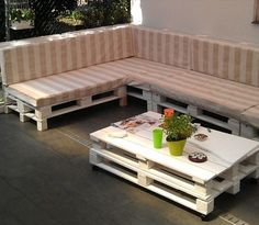 13 DIY Sofas Made from Pallet - how to build a outdoor pallet couch