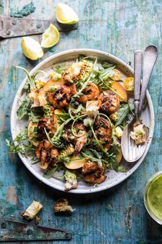 Shrimp Salad, Grilled Shrimp, Grilled Bread, Fish Salad, Healthy Recipes, Salad Recipes, Zoodle Recipes, Eat Healthy, Avocado Vinaigrette