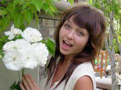 Beautiful Nikki Catsouras - warning to young drivers