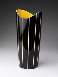 Hornsea Pottery went into receievership in 2000 but during their 50 years of production they produced a diverse range of lines Tricorn Vases 1957. Description from vasekino.net. I searched for this on bing.com/images