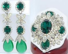 RARE-BOOK-PIECE-VINTAGE-CHRISTIAN-DIOR-COUTURE-RHINESTONE-BROOCH-EARRINGS-SET