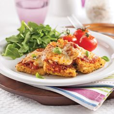 With plenty of protein, the Tofu Parmigiana is a healthy, vegetarian dish that is simple but delicious. Tofu Recipes, Vegetarian Recipes, Healthy Recipes, Vegetarian Dish, Tofu Parmigiana Recipe, Brie, Feta, Zucchini, Confort Food