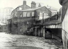The Stockport image archive is home to thousands of images that show Stockport through the ages. Stockport Market, Stockport Uk, Old Pictures, Old Photos, Vintage Photos, Manchester Day, Painting Courses, Industrial Architecture, Image Archive