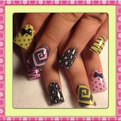 Pink and yellow spirals - Nail Art Gallery Fabulous Nails, Gorgeous Nails, Pretty Nails, Get Nails, Hair And Nails, Duck Feet Nails, Rasta Nails, Wide Nails, Exotic Nails