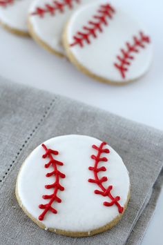 America& favorite pastime is in full swing so to celebrate I made these baseball sugar cookies. These treats will be given to Justin, wh. Baseball Birthday, Baseball Party, Baseball Mom, Baseball Stuff, Girls Softball, Baseball Season, Baseball Treats, Baseball Cookies, Baseball Desserts