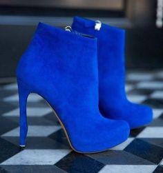 Вдохновение синим: аутфит в оттенках цвета реки покорит любую модницу