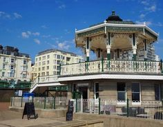 8 Brilliant Things to Do in One Day in Brighton - The Perfect Brighton Day Trip! 3 Visit Brighton, Brighton Rock, Brighton Sussex, Brighton Houses, Brighton England, Back In Time, Back In The Day, Stuff To Do, Things To Do