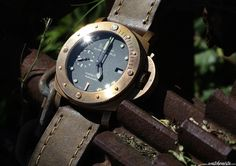 Gonzo, is the old Bronzo. :) http://www.watchonista.com/1619/malik-bahri/watchographer/panerai-pam382-bronzo