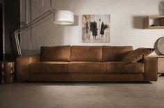 4zitter milano is aan de grote kant maar...wel mooi. Plaatje zoeken van een 2,5 zits... Living Room Modern, Home Living Room, Sofa Design, Interior Design, Tan Sofa, Bedroom Nook, Leather Sofa, Cozy House, House Styles