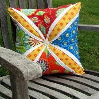 Quilting: Lg Cathedral Window Pillow #MayFlowers