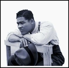 Joe Louis – Joe Louis, real Name Joseph Louis Barrow, was the world heavyweight boxing champion from 1937 to He is considered to be one of the greatest heavyweights of all time. Joe Louis, Jack Johnson, Vintage Black Glamour, Boxing Champions, Black History Facts, Black Pride, African American History, Famous Faces, Famous Photos