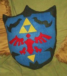 "Zelda shield by ""othersideofthecrash"" at craftster.org."