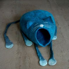 """Cat bed for cat made from natural wool felted by hand """"Cat sleeps"""""""