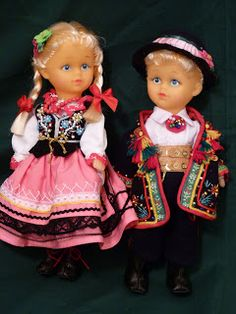 Number 1 on my wishlist of Polish regional dolls. Girl Doll Clothes, Girl Dolls, Baby Dolls, Poland Costume, World Thinking Day, Cute Dolls, Girl Costumes, Harajuku, Folklore