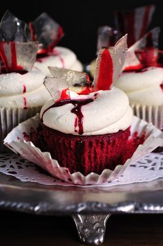 Halloween Recipe and Tutorial: Red Bloody Velvet Cupcakes by Juniper Cakery