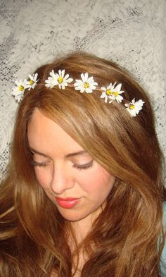 going to DIY this Wildflower Headband Headband Accessories Flower by Daisy Headband, Halo Headband, Flower Crown Headband, Flower Headbands, Diy Hair Accessories, Wild Flowers, Daisy Flowers, Daisies, Floral Crown