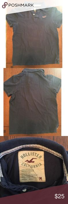 Medium Hollister Men's Navy Polo Medium men's navy Hollister Polo. In good condition. Has a faded look around the seams. More noticeable in pictures than in person. Hollister Shirts Polos