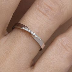 Beautiful handmade SOLID GOLD mobius ring set with natural diamonds. This sleek design looks great on everyone! ***Perfect for trendy wedding #HandmadeGoldJewellery