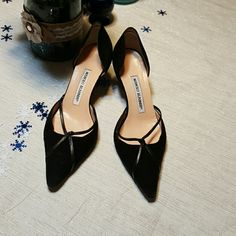 Manolo Blahnik Kitten Heel Pumps Beautiful Manolo Blahnik Kitten Heel Pumps. Pointed toe, velvet and leather. Gorgeous!  There are signs of wear on the heel and the sole. Price reflects that. Size 36. Manolo Blahnik Shoes Heels