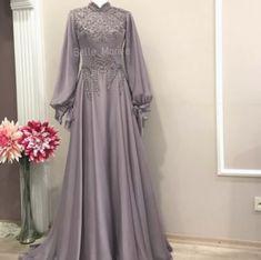 Belle Mariee Wedding Dresses on Instagr Hijab Evening Dress, Hijab Dress Party, Hijab Style Dress, Abaya Fashion, Muslim Fashion, Fashion Dresses, Dress Brokat, Kebaya Dress, Abaya Mode