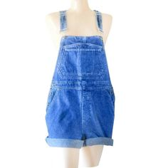 90s denim overall shorts (salopette or dungarees to my international customers) by Bill Blass SIZE Women's Medium Just listed in the #etsy shop! (Link in bio.) $42.99 Comment with email if interested. #sustainablebusiness #vintage #vintagestyle #retro #vintagefinds #vintageclothes #vintagestyle #instafashion #vintageshop #shinebrightvintage #vintageclothing #etsyvintage #vintagefashion #sustainable #sustainability #sustainablefashion #sustainableliving #sustainablestyle #sustainablelife…