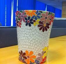 Mosaic vase with flower border Mosaic Planters, Mosaic Garden Art, Mosaic Tile Art, Mosaic Vase, Mosaic Flower Pots, Mosaic Crafts, Mosaic Projects, Mosaics, Pot Jardin