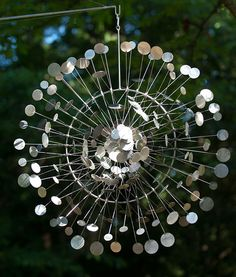 Mesmerizing Kinetic Wind Powered Sculptures by Anthony Howe Steel Sculpture, Sculpture Art, Anthony Howe, Instalation Art, Wind Sculptures, Mechanical Art, Trash Art, Kinetic Art, Wind Spinners