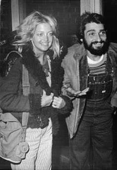 Goldie Hawn & her first husband, the actor Gus Trikonis, 1976.