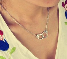 Cute and Stylish Handcuffs Necklace  #free #fashion #handcuffs #cutedesign #freejewelry #jewellery #jewelry