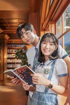 Korean Drama Stars, Korean Drama List, Korean Star, Movie Couples, Cute Couples, Ver Drama, Funny Minion Memes, Handsome Korean Actors, Ulzzang Korean Girl