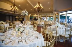 OceanCliff in Newport Toni Chandler Flowers & Events did the flowers