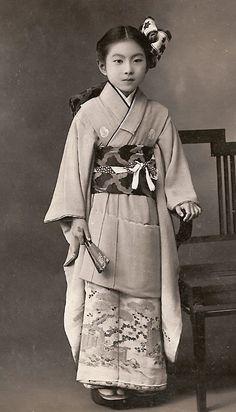 "thekimonogallery: "" Girl in kimono. First half 20th century, Japan. Image via chickeyonthego on Flickr """