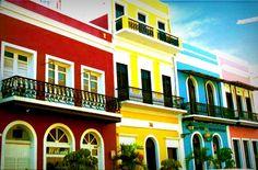 Las coloridas casas del Viejo San Juan .