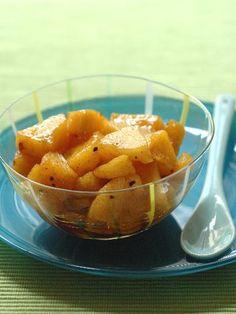 Pensez à assaisonner vos salades fruitées pour encore plus de gourmandise ! Vanille, cannelle, cacao cru, noix de coco, ou même poivre rose ou estragon !