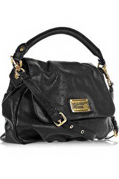 Her kadının siyah-deri bir çantası olmalı!