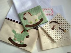 Baby accessories diy sewing burp cloths ideas for 2019 Applique Patterns, Applique Designs, Sewing Crafts, Sewing Projects, Patchwork Baby, Baby Burp Cloths, Baby Crafts, Baby Sewing, Baby Accessories