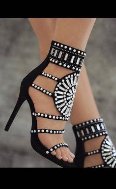 Sandales montantes à talons