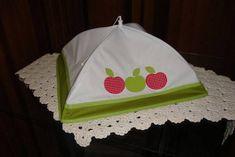 Cobre bolo ou cobre alimentos bordado do tipo guarda chuva.  Pode ser confeccionado junto com o kit de cozinha e o tema do bordado a escolher