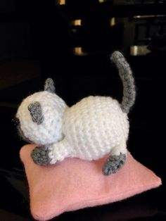 Amigurumi Marshmallow from Neko Atsume, designed and crocheted by me :)