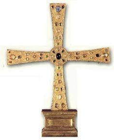 Cruz de los ángeles, en la capilla de San Miguel. Cámara Santa, Oviedo.