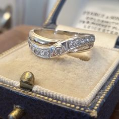 Antique Rings For Sale, Antique Diamond Rings, Gold Diamond Rings, Gold Rings, Antique Jewellery, Bridal Jewellery, Vintage Jewelry, Gem Shop, Estate Rings