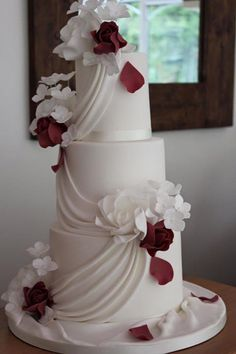 Wedding Celebration Cake Design Based In The Medieval Town Of Shrewsbury Shropshire We Create Beautiful Bespoke Cakes For Your Special Occasion