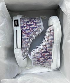 Dior Sneakers, Sneakers Mode, Cute Sneakers, Sneakers Fashion, Fashion Shoes, Dr Shoes, Swag Shoes, Hype Shoes, Me Too Shoes