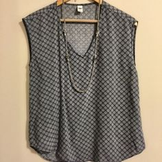 Old Navy ✨ Gray Polka Dot Blouse Gray lightweight top from Old Navy. Cotton & machine washable. Worn once. Smoke free & pet free home. Next day shipper. Bundle with pink cardigan in my closet to save more!  Old Navy Tops Blouses