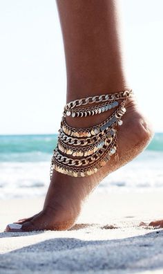 YAHPERN Anklets for Women Girls Color Beads Turquoise Drop Sequin Charm Adjustable Ankle Bracelets Set Boho Multilayer Beach Foot Jewelry (Gold) – Fine Jewelry & Collectibles Mode Hippie, Bohemian Mode, Boho Gypsy, Hippie Chic, Bohemian Jewelry, Boho Chic, Beach Jewelry, Hippie Life, Girls Jewelry