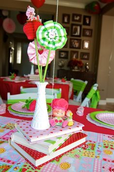 Pin for Later: This Vintage Strawberry Shortcake Birthday Party Is Everything Strawberry Shortcake Cartoon, Strawberry Shortcake Skewers, Strawberry Shortcake Cheesecake, Homemade Strawberry Shortcake, Strawberry Shortcake Birthday, Strawberry Baby, Macaroons, Homemade Cheesecake, Savoury Cake