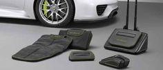Equipaje para el Porsche 918 Spyder Un juego de bolsas y maletas diseñadas específicamente para este modelo híbrido de altas prestaciones.